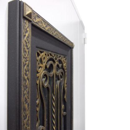 Фрагмент декоративной решётки со стеклопакетом
